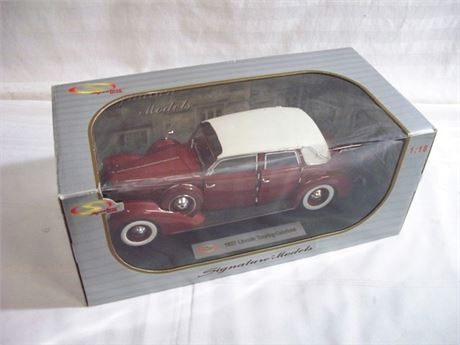 1:18 SCALE SIGNATURE DIECAST - 1937 LINCOLN TOURING CABRIOLET WITH BOX