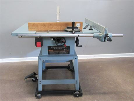 """Great Delta 10"""" Contractor Table Saw"""