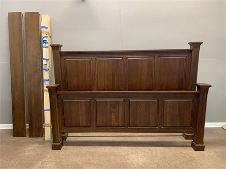 Thomasville Wooden Panel Bed