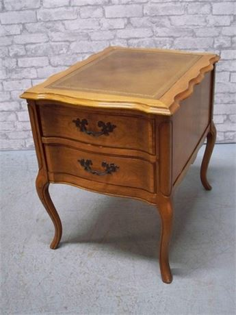 END TABLE WITH TOOLED LEATHER TOP AND CABRIOLE LEGS