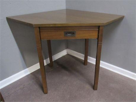 Thomasville Corner 1-Drawer Desk