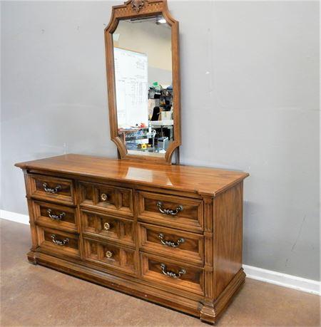 Traditional Wood Dresser / Mirror