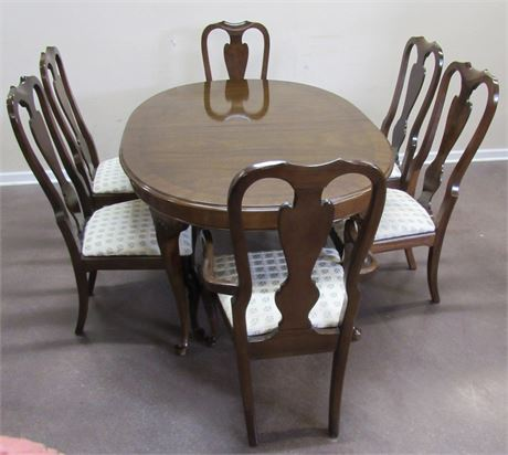 DREXEL DINING TABLE WITH 6 CHAIRS AND 2 LEAVES