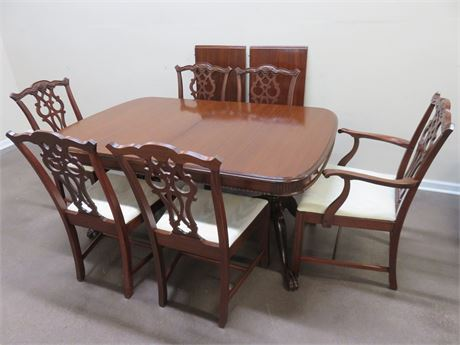 Chippendale Dining Table Set