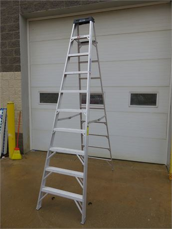 WERNER 10 ft. Aluminum Step Ladder - Type 1A Extra Heavy Duty