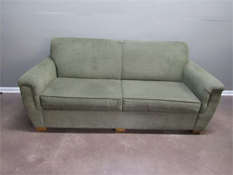Nice Lancer Upholstered Green 2 Cushion Sofa with 4 Throw Pillows