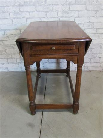 Drop-leaf Side Table with Pull-out Tray