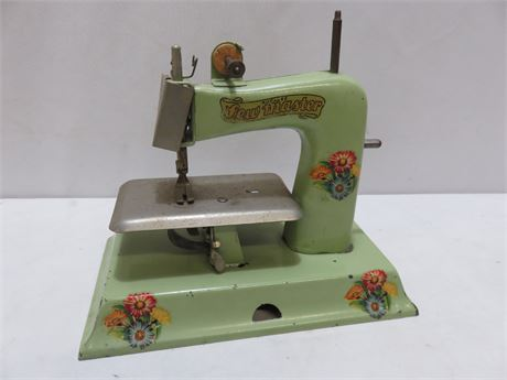 Vintage Kayanee Sew Master Metal Toy Sewing Machine