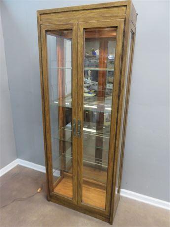 DREXEL Woodbriar II Curio Cabinet