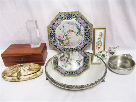 LOT OF VINTAGE DECORATIVES FEATURING LANE