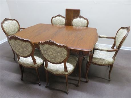 Vintage Victorian Cherry Dining Table Set