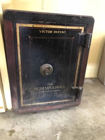 Antique Victor Safe w/Combination & Key