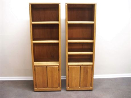 2 THORNWOOD OAK DISPLAY/BOOKCASES ON CASTERS
