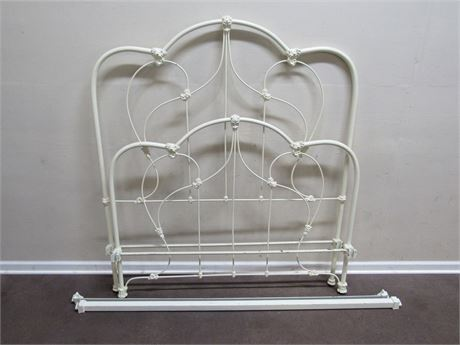 ANTIQUE WROUGHT IRON FULL SIZE BED