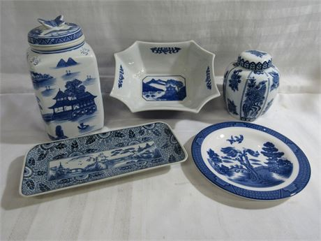 5 PIECE BLUE AND WHITE POTTERY LOT