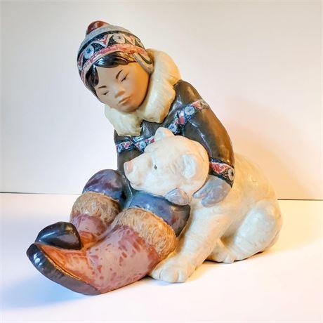 "Lladro Figurine ""Eskimo Playing"" #2097 Signed"