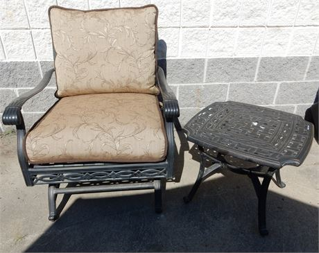 Agio Patio/Sunroom Swivel Chair with Cushions and Side Table
