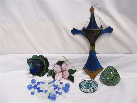 LOT OF GLASS DECORATIVES