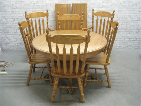 ST. JOHNS OAK DINING TABLE WITH 2 LEAVES AND 6 CHAIRS