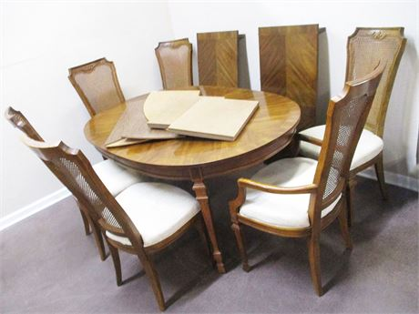 "DREXEL ""FRANCESCA"" DINING TABLE AND 6 CHAIRS, 2 LEAVES, AND TABLE PADS"