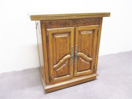 BEAUTIFUL EXPANDING CARVED SIDEBOARD