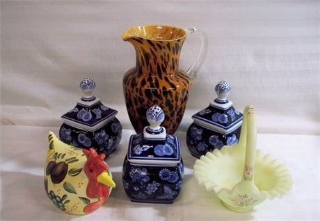 6 PIECE GLASS/POTTERY LOT - INCLUDING FENTON