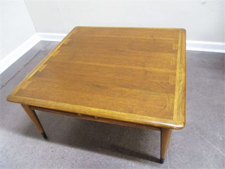"LANE ""ACCLAIM"" SERIES MID-CENTURY MODERN COCKTAIL TABLE"