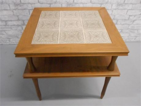 NICE MID CENTURY TILE TOP 2-TIER END TABLE