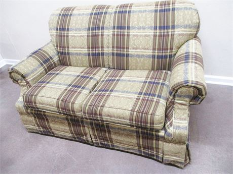 VERY NICE BROYHILL LOVESEAT
