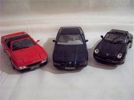 3 WELLY 1:24 SCALE DIECAST - PORSCHE, BMW & FERRARI