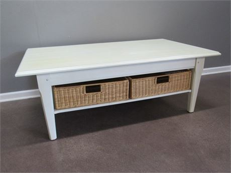 Nice White Coffee Table with 2 Wicker Baskets
