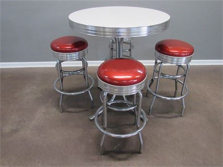 Vintage/Retro Look Restaurant/Dinner High-Top Table with 4 Swivel Stools