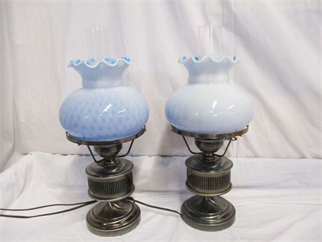 LOT OF 2 EARLY AMERICAN STYLE LAMPS