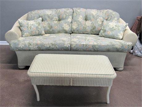 Nice Floral Cushioned Lloyd Flanders Loom Synthetic Wicker Sofa w/ Coffee Table