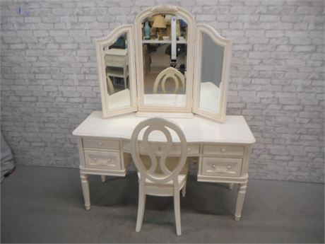 SMARTSTUFF FOR KIDS - GABRIELLA DESK/VANITY WITH CHAIR AND TRI-FOLD MIRROR