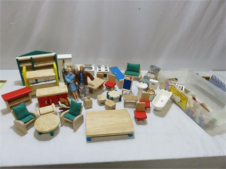 Doll House Furniture/Accessories Lot