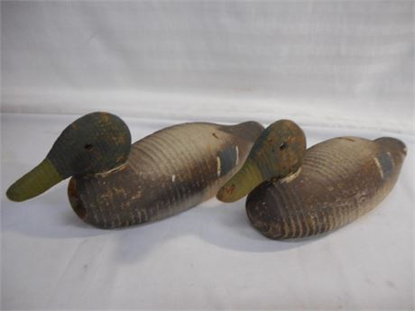 2 VINTAGE DUCK DECOYS WITH GLASS EYES