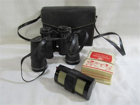 2 PIECE LOT - SEARS BINOCULARS AND TRUE-VUE VIEWER WITH 25+ FILM CARDS