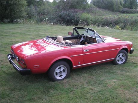 1981 124 FIAT SPIDER 2000 CONVERTIBLE - 1 OWNER - LOW MILES