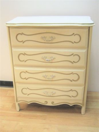 VINTAGE SERPENTINE FRONT FRENCH PROVINCIAL CHEST
