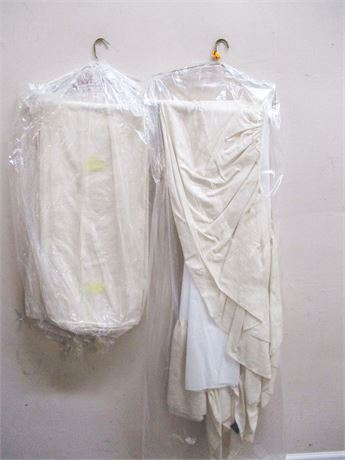 LOT OF 2 TWIN DUVET COVERS AND DUST RUFFLES BY RALPH LAUREN