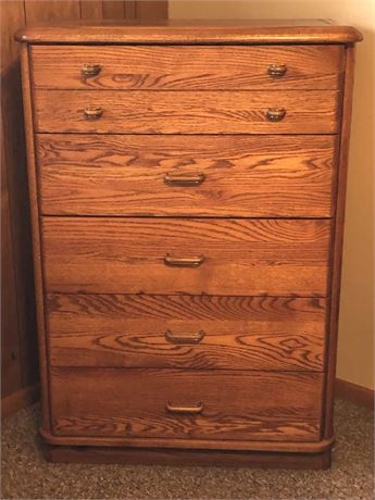 Oak Chest of Drawers with Jewelry Compartments