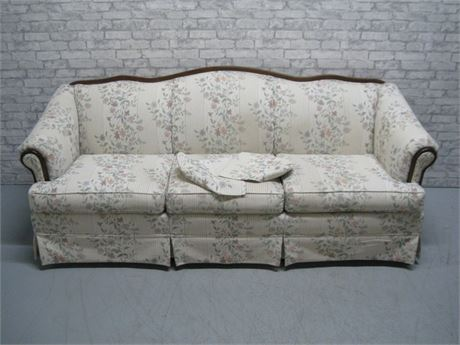 BROYHILL FURNITURE FLORAL SOFA