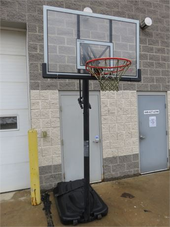 LIFETIME Elite Portable Basketball Hoop