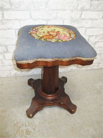 VINTAGE NEEDLEPOINT PIANO STOOL