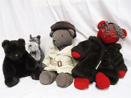 LOT OF STUFFED ANIMALS FEATURING GUND AND AMERICAN BEAR CO.