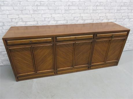 Vintage AMERICAN of MARTINSVILLE Mid-Century Buffet