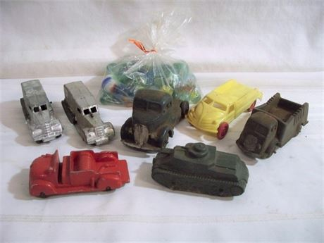 8 PIECE VINTAGE TOY LOT