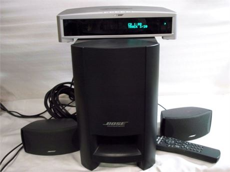 BOSE AV 3-2-1II MEDIA CENTER WITH REMOTE AND SPEAKER SYSTEM