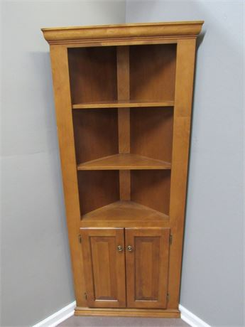 NICE WOODCRAFT INDUSTRIES CORNER CABINET/HUTCH